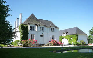 Clos Mirabel Manor