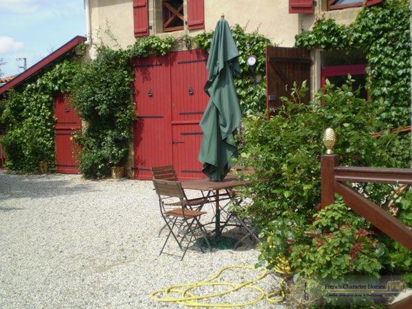 Garage  / Courtyard