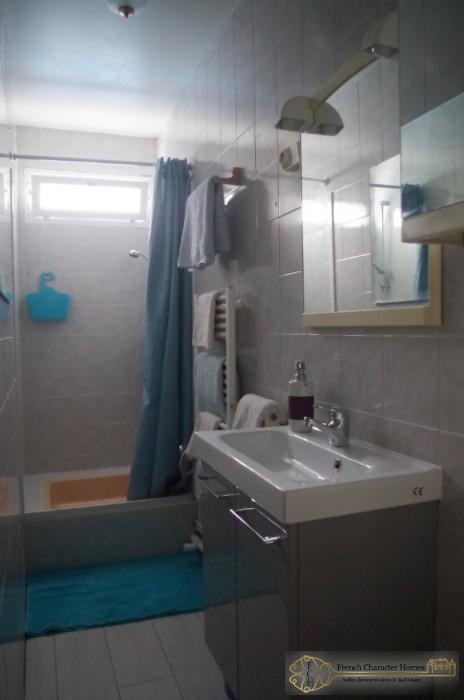 MAIN HOUSE : Bedroom 1 En-suite
