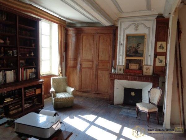 Bureau / Bedroom