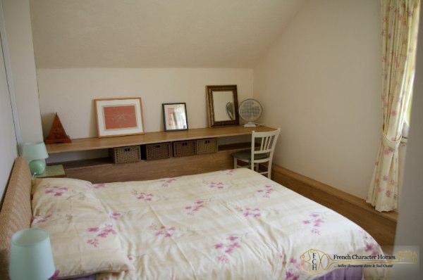 MAIN HOUSE : Bedroom 4
