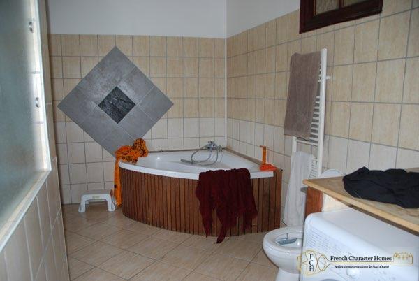 Apartment : Bathroom