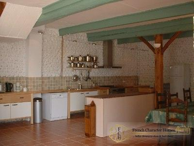 The CONVERTED BARN : Kitchen
