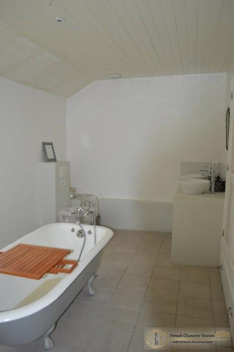Second House : Bathroom