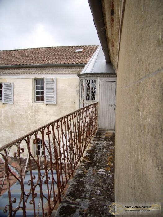 Rotonde & Balcony