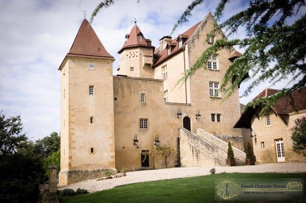 14C Historic Chateau