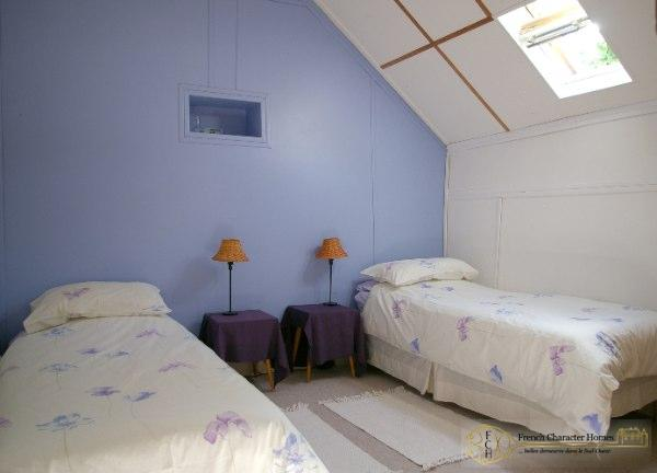 The CONVERTED BARN : Bedroom