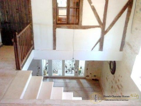 CONVERTED BARN : Entrance Hallway, showing stairs leading to the First Floor (living area)