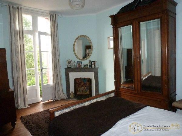 Bedroom 4 with Balcony