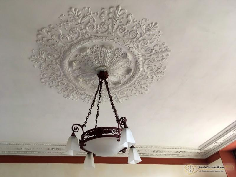 Stucco Ceiling Rose in Dining Room