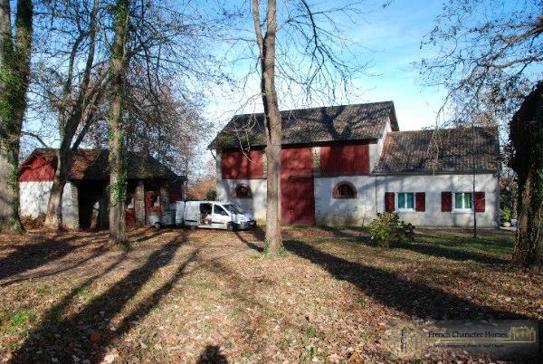 Guardian's Cottage & Barn