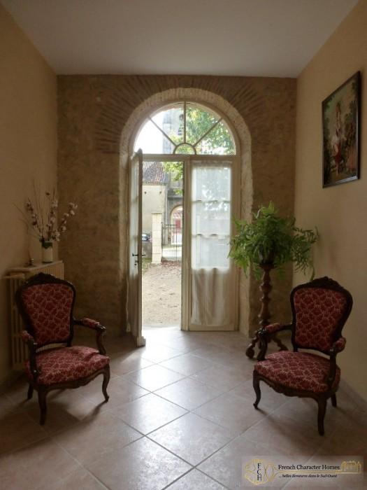 Main House : Entrance Hallway