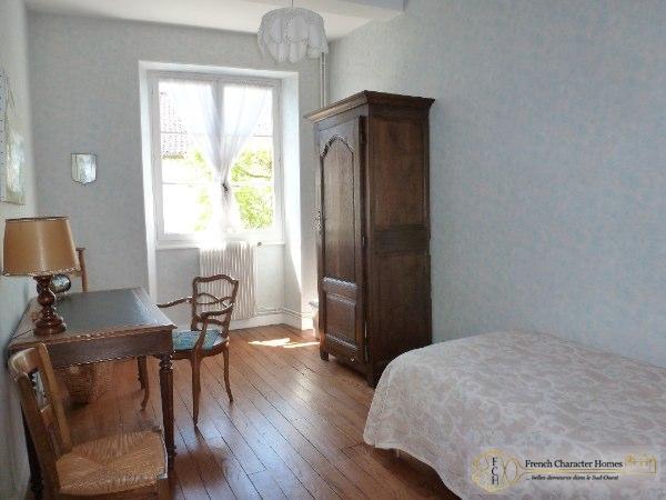 First Floor : Bedroom