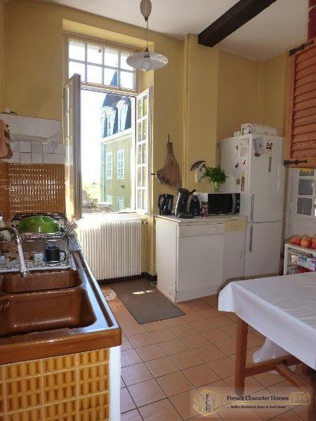 First Floor : Kitchen