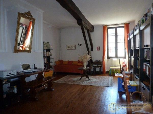 First Floor : Office