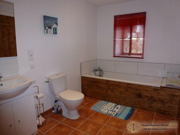 Gite 2 : Bathroom