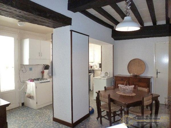 Ground Floor : Kitchen