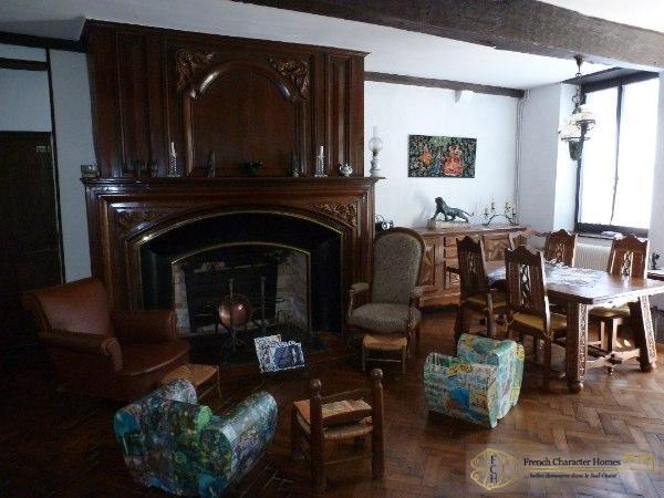 Ground Floor : Living Room