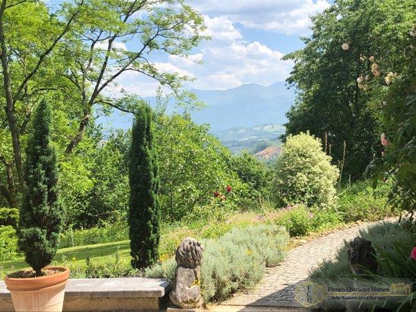 Landscaped Garden & Views