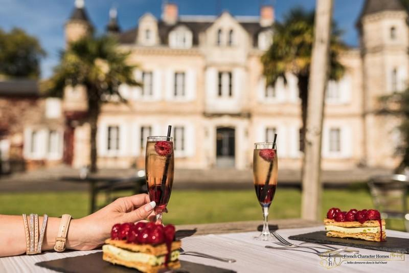 Lunch in the Chateau Gardens