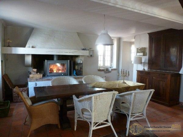 MAIN HOUSE : Dining Room