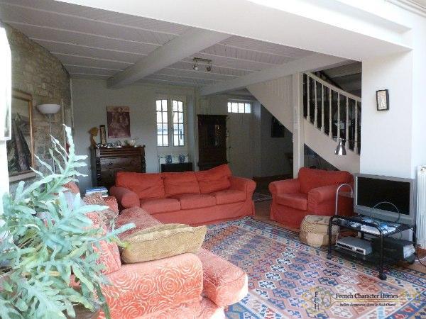 MAIN HOUSE : Sitting Room