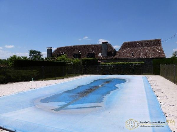 Salt Water Swimming Pool (12x6m)