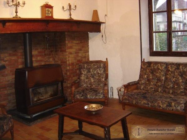 THE FARMHOUSE : Sitting Room