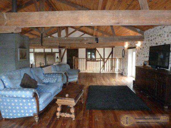 CONVERTED BARN : Reception Room